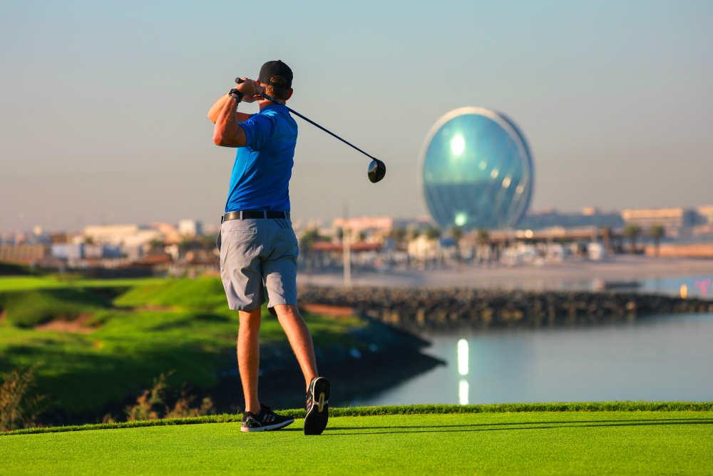 Drive sur le Golf d'Abu Dhabi avec votre pro