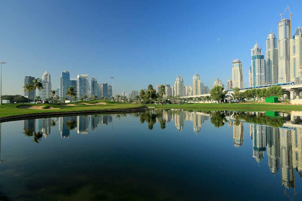 Lac et fairways golf d'Emirates Majlis aux Emirats Arabes Unis