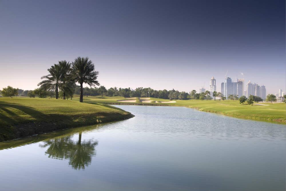 Lac Emirates Faldo golf à Dubai aux Emirats Arabes Unis