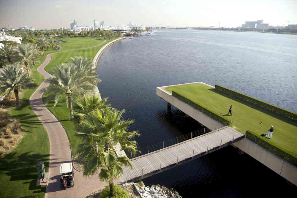 Départ golf de Dubai Creek pour votre sejours avec votre Pro