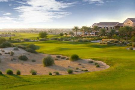 Fairways et bunker Arabain Ranches golf à Dubai aux Emirats Arabes Unis