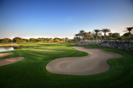Large bunker et Lac Golf d'Abu Dhabi avec votre pro