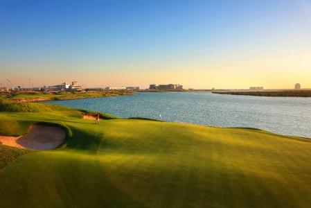 Green et faiways Golf d'Abu Dhabi avec votre pro