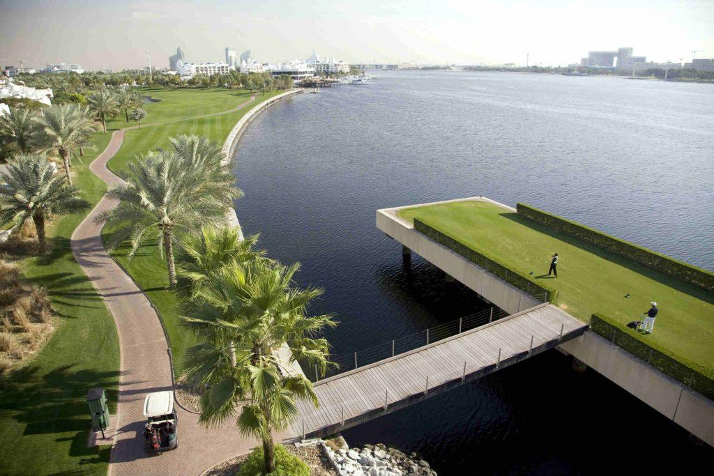 Départ sur le parcours de Dubai Creek