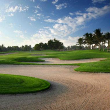 Découvrez les golf à Abu Dhabi comme le parcours National